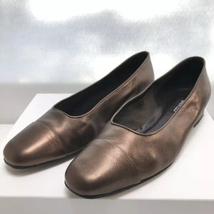 Van Eli Women's Bronze Leather Flats Size 11M